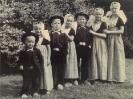 tak AT 1953 Kinderen van Hugo,1911 en Caty in Walcherse dracht